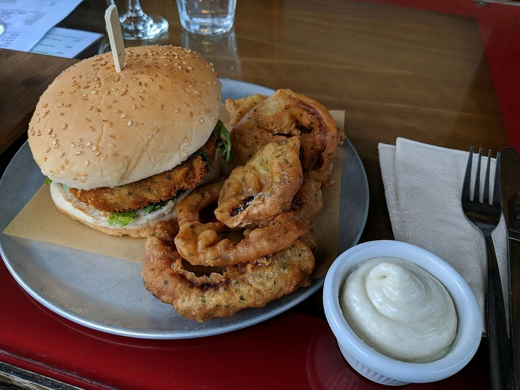 "Photo of The Green Lion Pub  by <a href=""/members/profile/xcarrolx"">xcarrolx</a> <br/>Chicken burger with onion rings and aioli <br/> December 30, 2017  - <a href='/contact/abuse/image/80920/340782'>Report</a>"