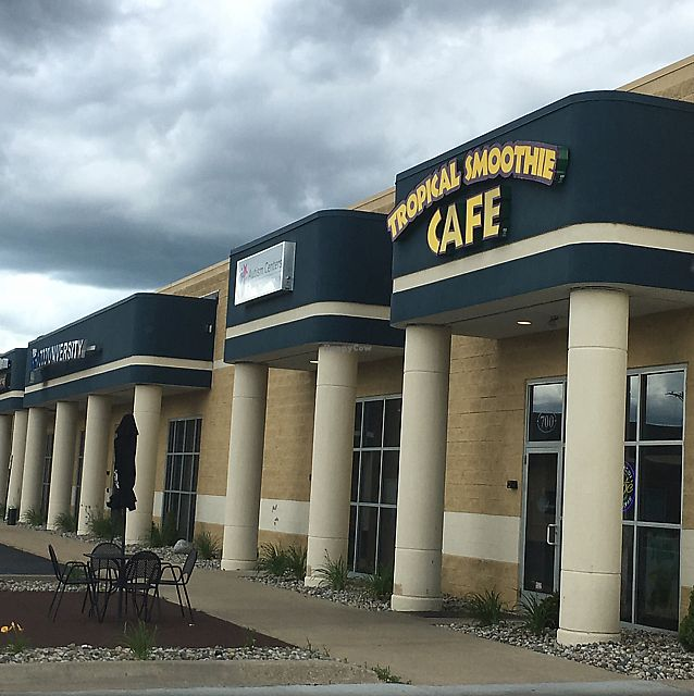 "Photo of Tropical Smoothie Cafe  by <a href=""/members/profile/nardanddee"">nardanddee</a> <br/>exterior <br/> June 19, 2017  - <a href='/contact/abuse/image/80923/271153'>Report</a>"