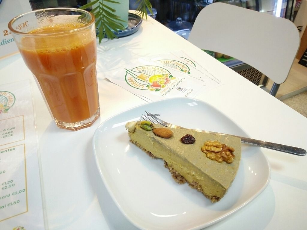 """Photo of Urban Orchard  by <a href=""""/members/profile/martinicontomate"""">martinicontomate</a> <br/>mango raw cake and carrot-ginger juice <br/> June 3, 2017  - <a href='/contact/abuse/image/80967/265446'>Report</a>"""