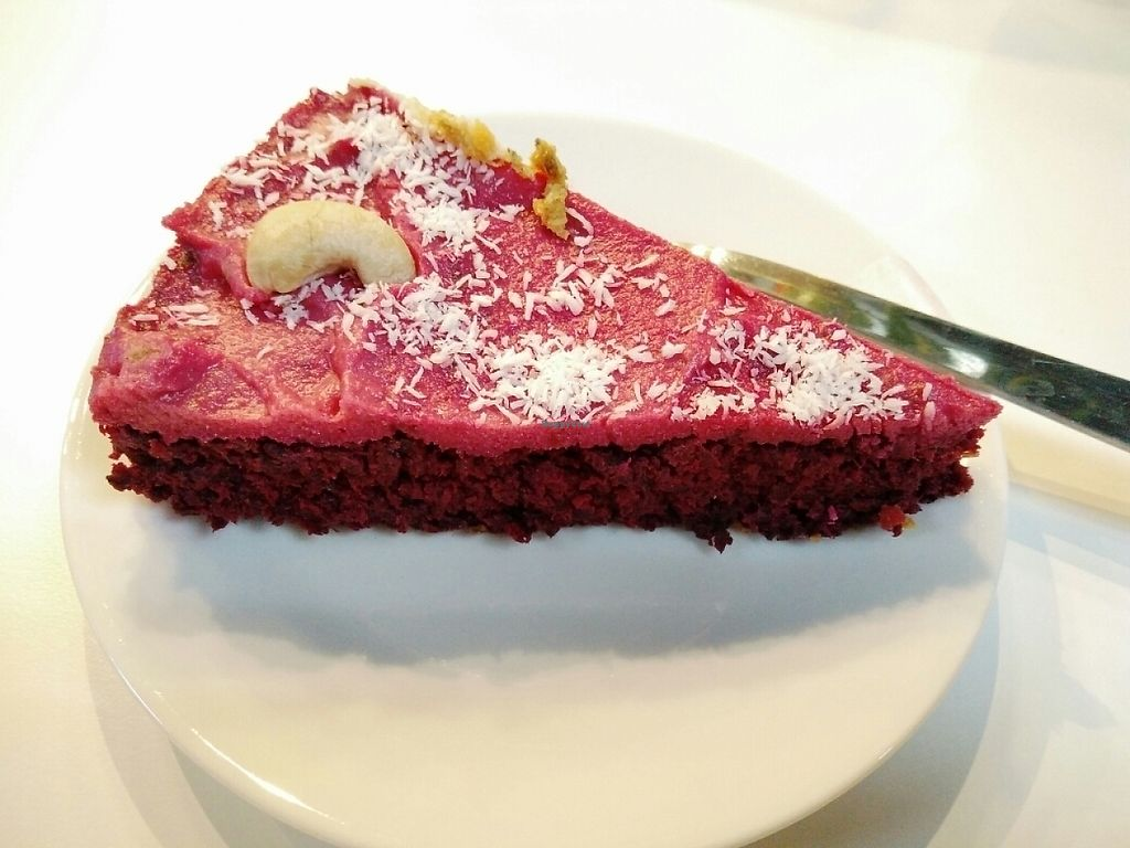"""Photo of Urban Orchard  by <a href=""""/members/profile/martinicontomate"""">martinicontomate</a> <br/>beetroot cake <br/> June 3, 2017  - <a href='/contact/abuse/image/80967/265451'>Report</a>"""