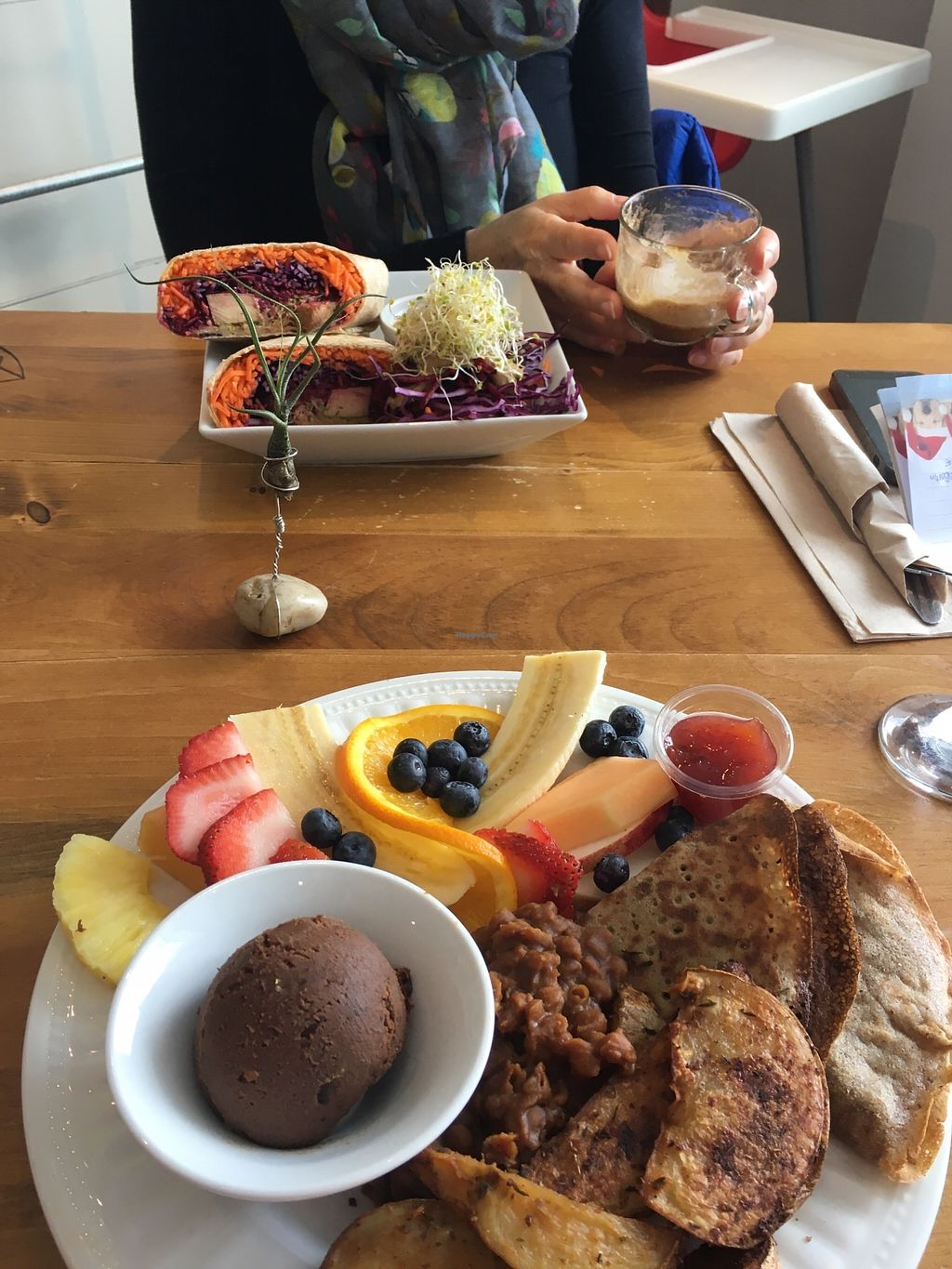 "Photo of Vegecafe Vertuose  by <a href=""/members/profile/jujubouchard"">jujubouchard</a> <br/>Assiette brunch <br/> April 9, 2018  - <a href='/contact/abuse/image/80985/382723'>Report</a>"
