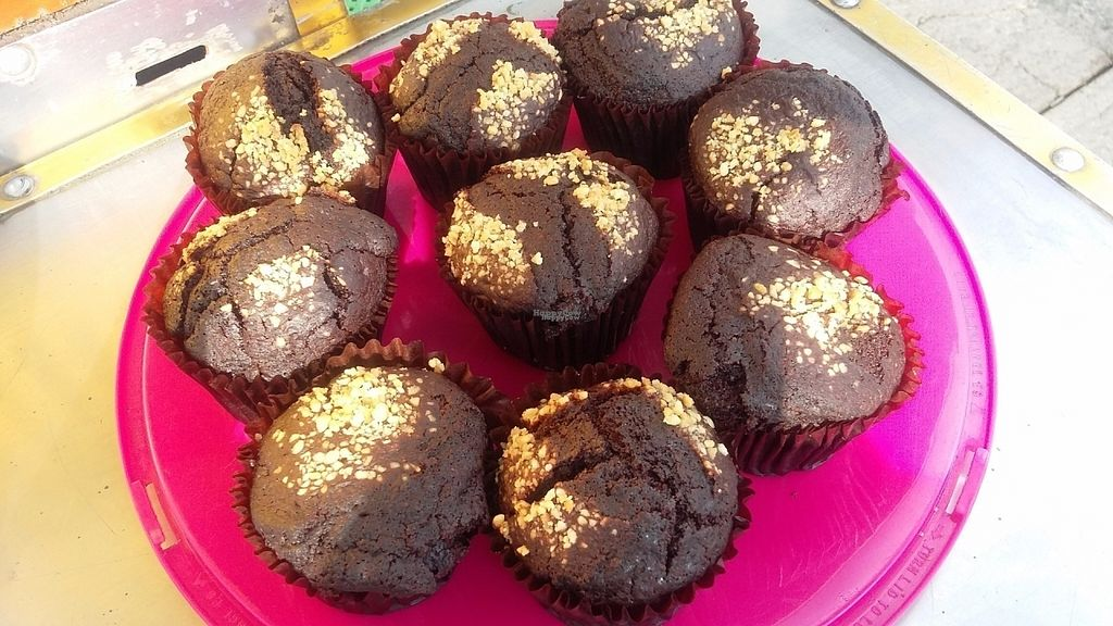 "Photo of Maria Bonita Veganos - Food Cart  by <a href=""/members/profile/LauraVega"">LauraVega</a> <br/>Muffins de chocolate con azucar de coco <br/> October 4, 2016  - <a href='/contact/abuse/image/80989/179684'>Report</a>"