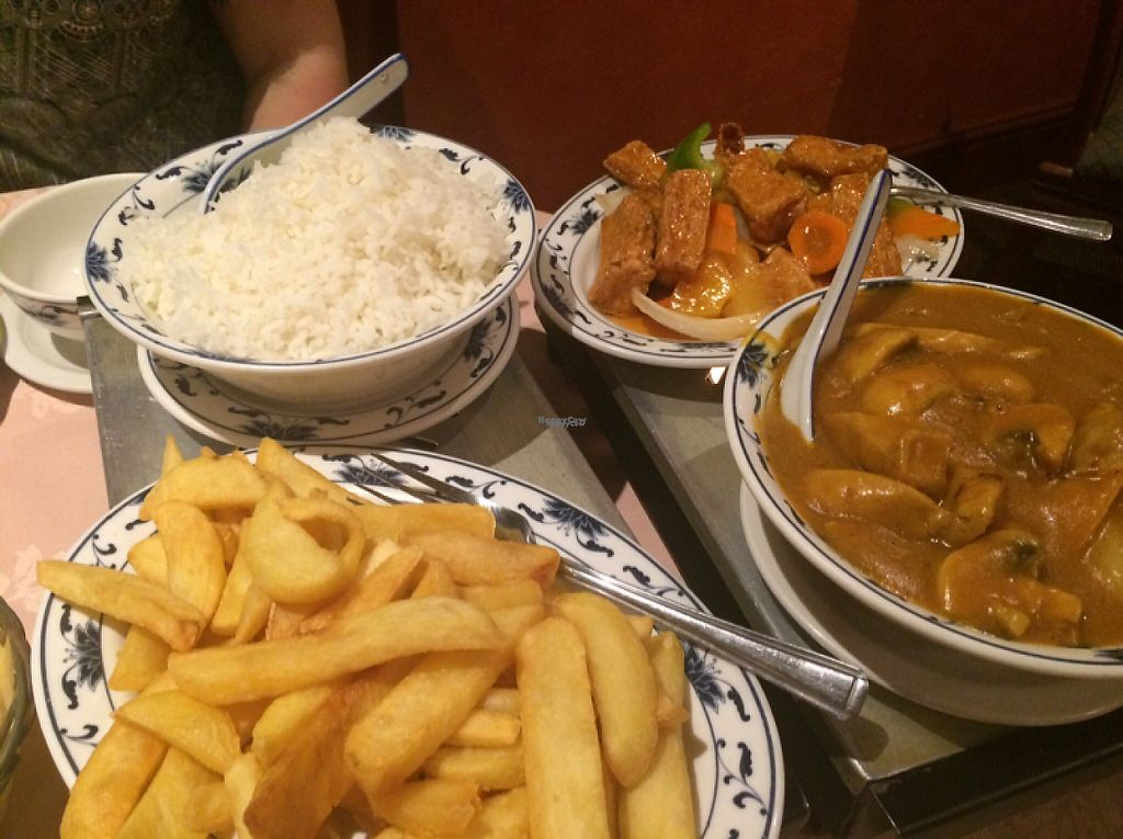 "Photo of Minh's Restaurant  by <a href=""/members/profile/LinziMaia"">LinziMaia</a> <br/>boiled rice, sweet and sour tofu, mock chicken curry and chips <br/> March 5, 2017  - <a href='/contact/abuse/image/81053/233126'>Report</a>"