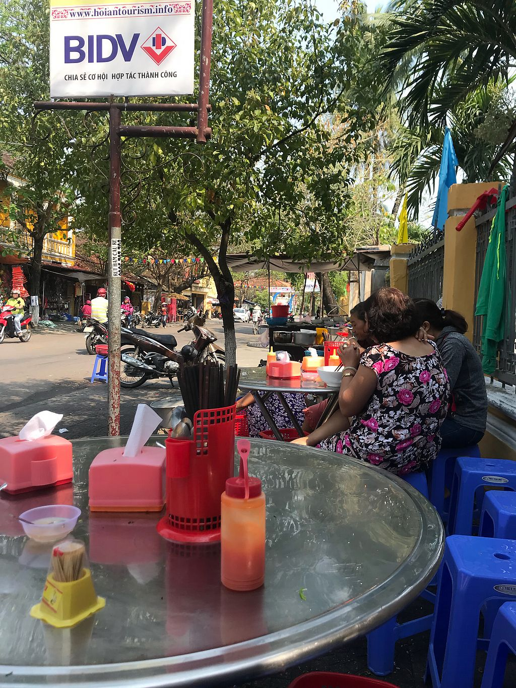 """Photo of Hoi Banh My Chay - Food Stall  by <a href=""""/members/profile/jillianwu"""">jillianwu</a> <br/>Pho day <br/> March 2, 2018  - <a href='/contact/abuse/image/81098/365589'>Report</a>"""