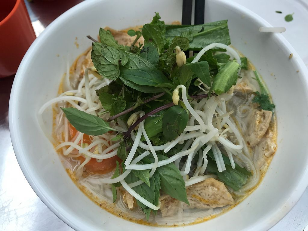"""Photo of Hoi Banh My Chay - Food Stall  by <a href=""""/members/profile/jillianwu"""">jillianwu</a> <br/>Pho <br/> March 2, 2018  - <a href='/contact/abuse/image/81098/365590'>Report</a>"""