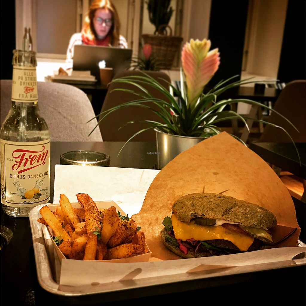 """Photo of GreenBurger - Frederiksborggade  by <a href=""""/members/profile/ClaireMartin"""">ClaireMartin</a> <br/>Tease Burger and chilli chips! <br/> November 21, 2017  - <a href='/contact/abuse/image/81101/327843'>Report</a>"""