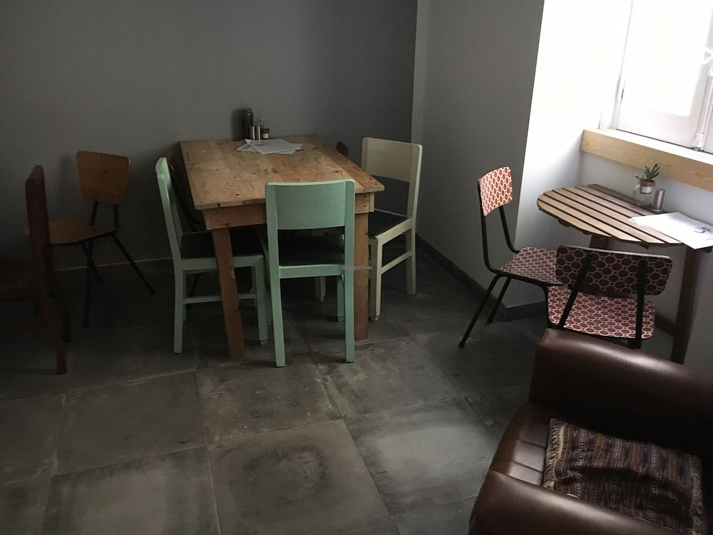 """Photo of Foodprintz Cafe  by <a href=""""/members/profile/hack_man"""">hack_man</a> <br/>Room downstairs  <br/> September 8, 2017  - <a href='/contact/abuse/image/81313/302093'>Report</a>"""