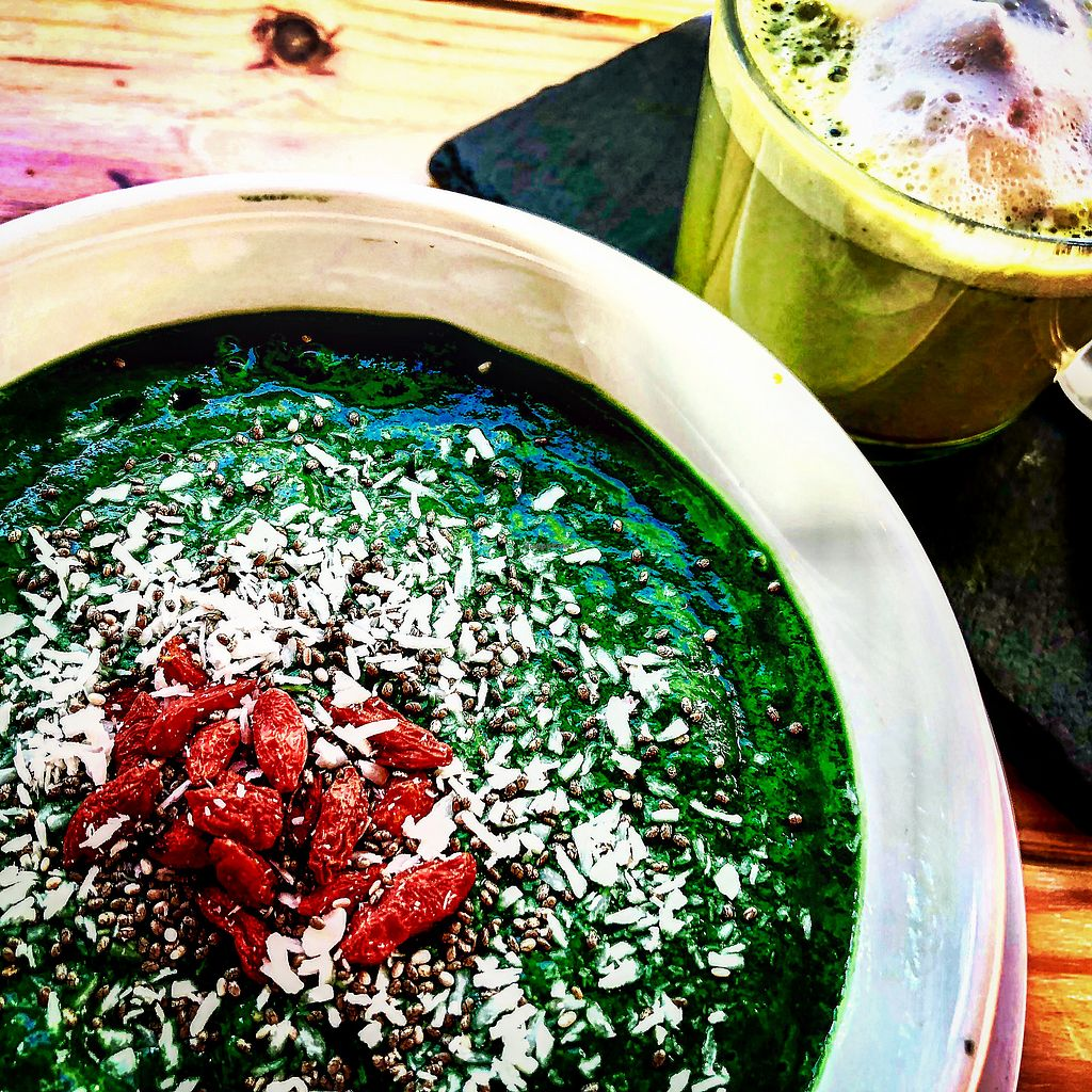 """Photo of Foodprintz Cafe  by <a href=""""/members/profile/KathrinPeters"""">KathrinPeters</a> <br/>Green Machine and almond matcha latte <br/> December 17, 2017  - <a href='/contact/abuse/image/81313/336485'>Report</a>"""