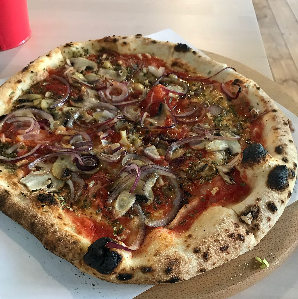 "Photo of Wisniowy Piec  by <a href=""/members/profile/Pawka"">Pawka</a> <br/>Marinara with extra toppings <br/> June 19, 2017  - <a href='/contact/abuse/image/81402/270849'>Report</a>"