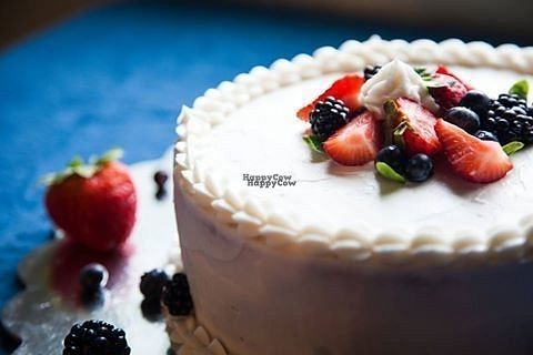 """Photo of The Luvin Oven  by <a href=""""/members/profile/IheartMattkhan"""">IheartMattkhan</a> <br/>Vegan cake <br/> October 14, 2016  - <a href='/contact/abuse/image/81425/181979'>Report</a>"""
