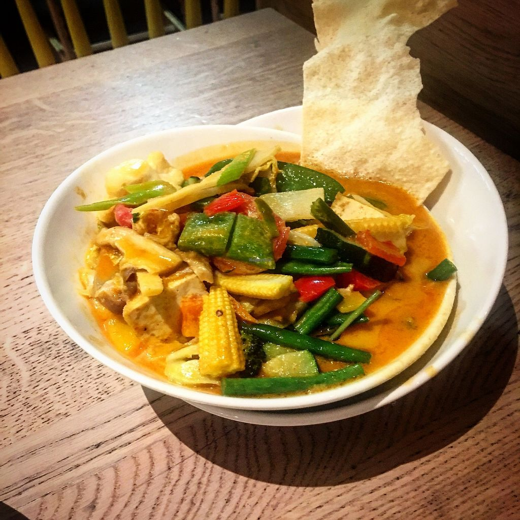 """Photo of REMOVED: 4 URBS Street Food - Munich Airport  by <a href=""""/members/profile/catalinacarbajal"""">catalinacarbajal</a> <br/>Vegan tofu red curry <br/> December 27, 2017  - <a href='/contact/abuse/image/81442/339691'>Report</a>"""