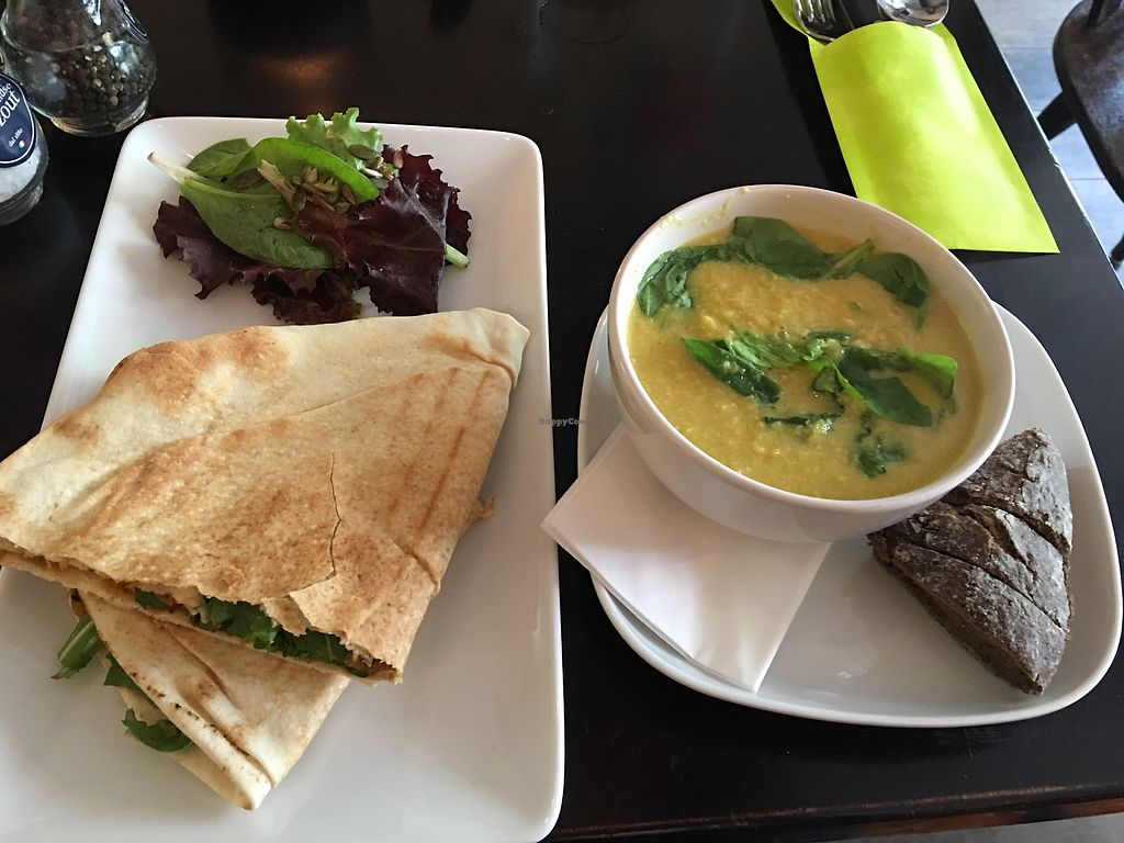 "Photo of Eethuis Vers  by <a href=""/members/profile/mfvbtravellingsolo"">mfvbtravellingsolo</a> <br/>hummus 'vers' sandwich and a sort of curried corn and coconut soup <br/> July 7, 2017  - <a href='/contact/abuse/image/81450/277419'>Report</a>"