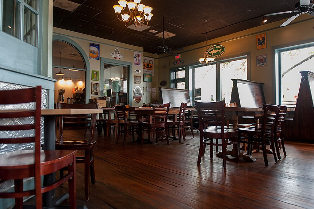 """Photo of Trapeze Pub  by <a href=""""/members/profile/community4"""">community4</a> <br/>Trapeze Pub  <br/> April 24, 2017  - <a href='/contact/abuse/image/81500/251886'>Report</a>"""