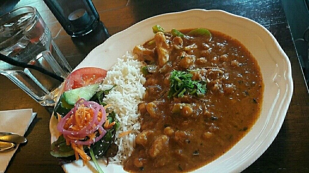 """Photo of Cafe Munk  by <a href=""""/members/profile/piffelina"""">piffelina</a> <br/>Spicy cauliflower chickpea curry  <br/> August 24, 2017  - <a href='/contact/abuse/image/81514/296853'>Report</a>"""
