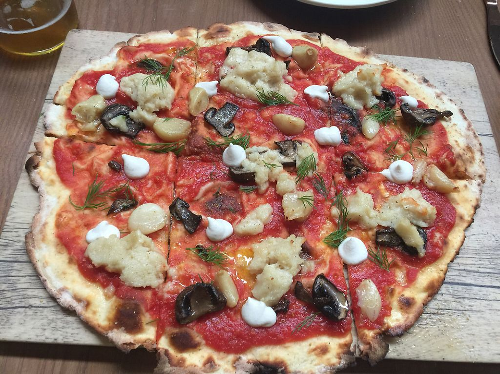 """Photo of Planta  by <a href=""""/members/profile/hunterlr"""">hunterlr</a> <br/>Italian pizza  <br/> May 28, 2017  - <a href='/contact/abuse/image/81537/263220'>Report</a>"""
