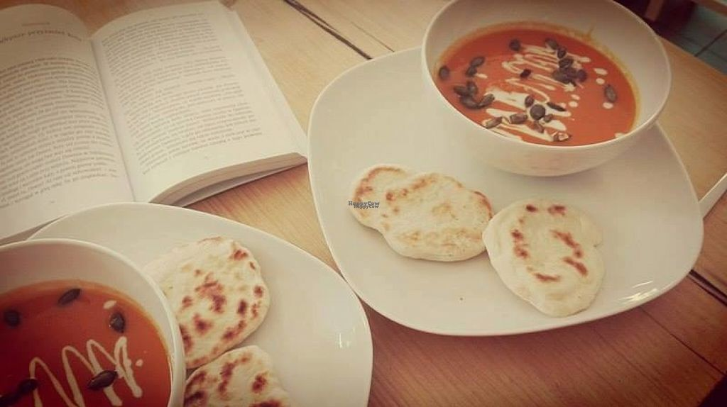 "Photo of KsiazKAwiarnia Rezerwat  by <a href=""/members/profile/AdaBudzyk"">AdaBudzyk</a> <br/>vegan carrot soup with naan <br/> October 29, 2016  - <a href='/contact/abuse/image/81582/185251'>Report</a>"