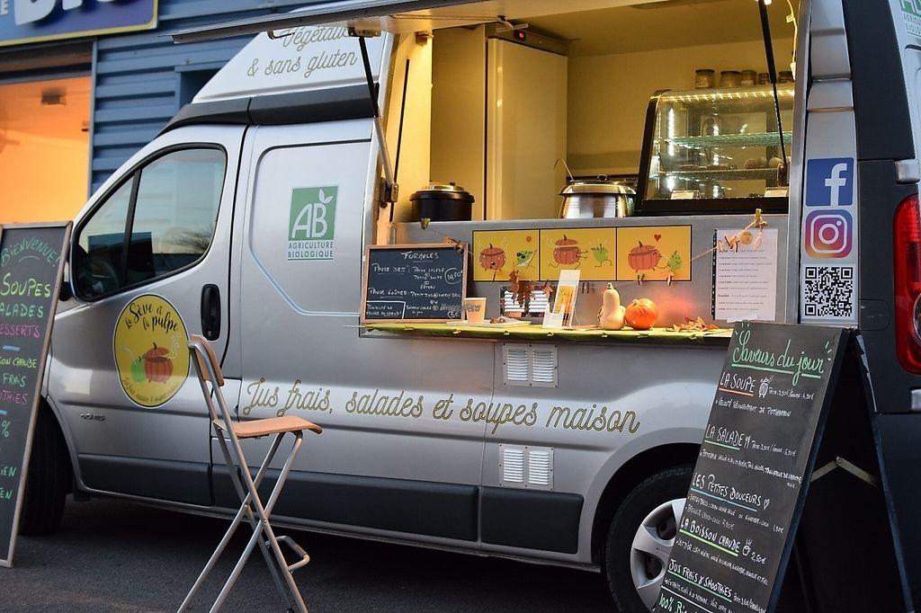 """Photo of CLOSED: La Seve et la Pulpe Food Truck  by <a href=""""/members/profile/Laseveetlapulpe"""">Laseveetlapulpe</a> <br/>Jus frais, salades et soupes maison. BIO - VEGETALIEN - SANS GLUTEN <br/> November 26, 2016  - <a href='/contact/abuse/image/81623/194541'>Report</a>"""
