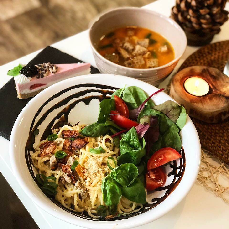 """Photo of Simply Vegan  by <a href=""""/members/profile/Romain"""">Romain</a> <br/>vegetable soup with garlic, carbonara spaghetti with coconut, """"bacon"""", rich salad and vegan cheese <br/> November 9, 2017  - <a href='/contact/abuse/image/81763/323494'>Report</a>"""