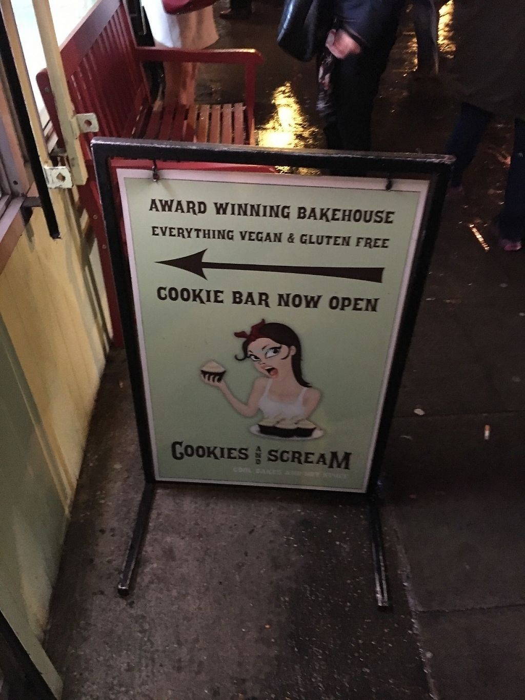 "Photo of Cookies and Scream - Drayton Park  by <a href=""/members/profile/hack_man"">hack_man</a> <br/>Sign outside  <br/> December 10, 2016  - <a href='/contact/abuse/image/81796/199128'>Report</a>"