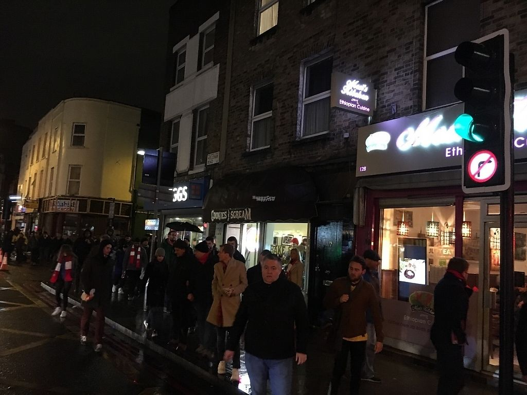 "Photo of Cookies and Scream - Drayton Park  by <a href=""/members/profile/hack_man"">hack_man</a> <br/>Busy outside after the Arsenal match  <br/> December 11, 2016  - <a href='/contact/abuse/image/81796/199431'>Report</a>"