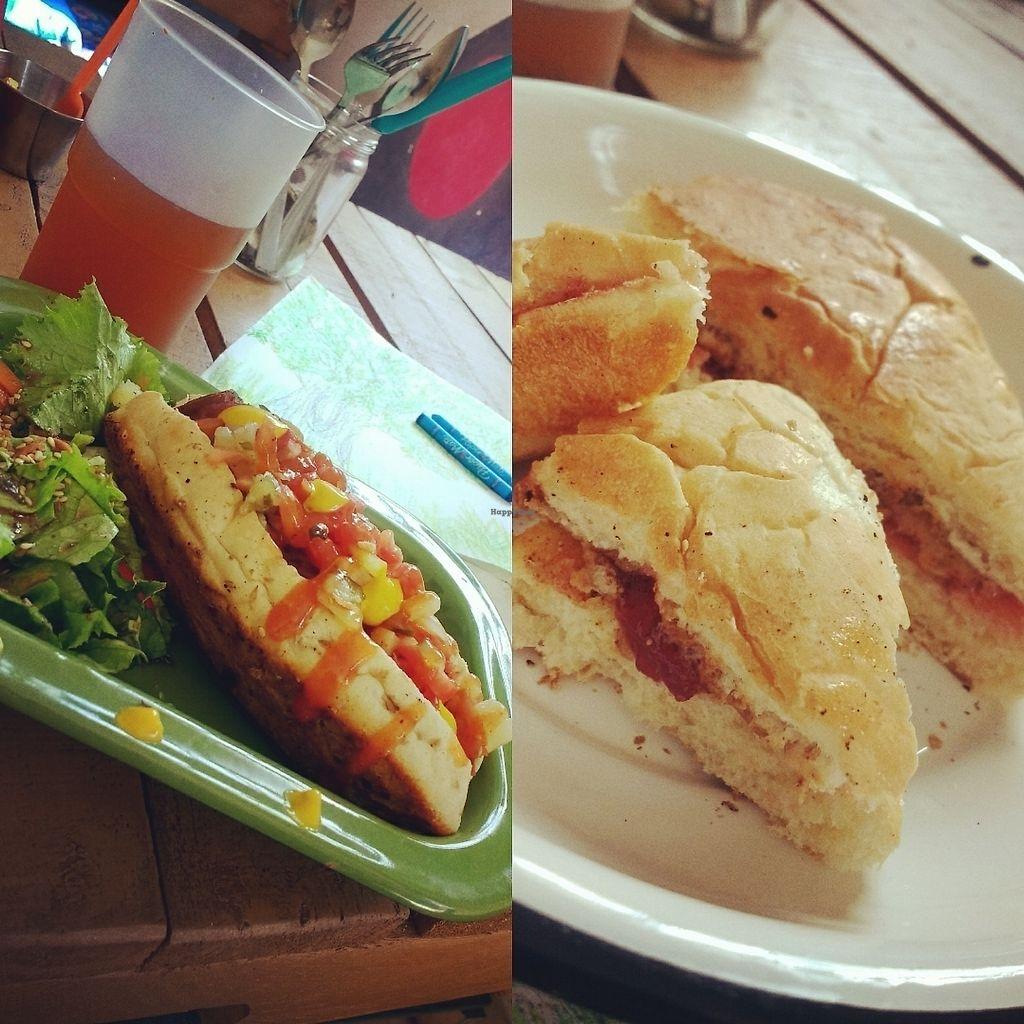 """Photo of Chia Fonda Vegana  by <a href=""""/members/profile/GigiS.Coss"""">GigiS.Coss</a> <br/>hot dog y emparedado de mantequilla de almendra y mermelada de fresa <br/> July 29, 2017  - <a href='/contact/abuse/image/81808/286042'>Report</a>"""