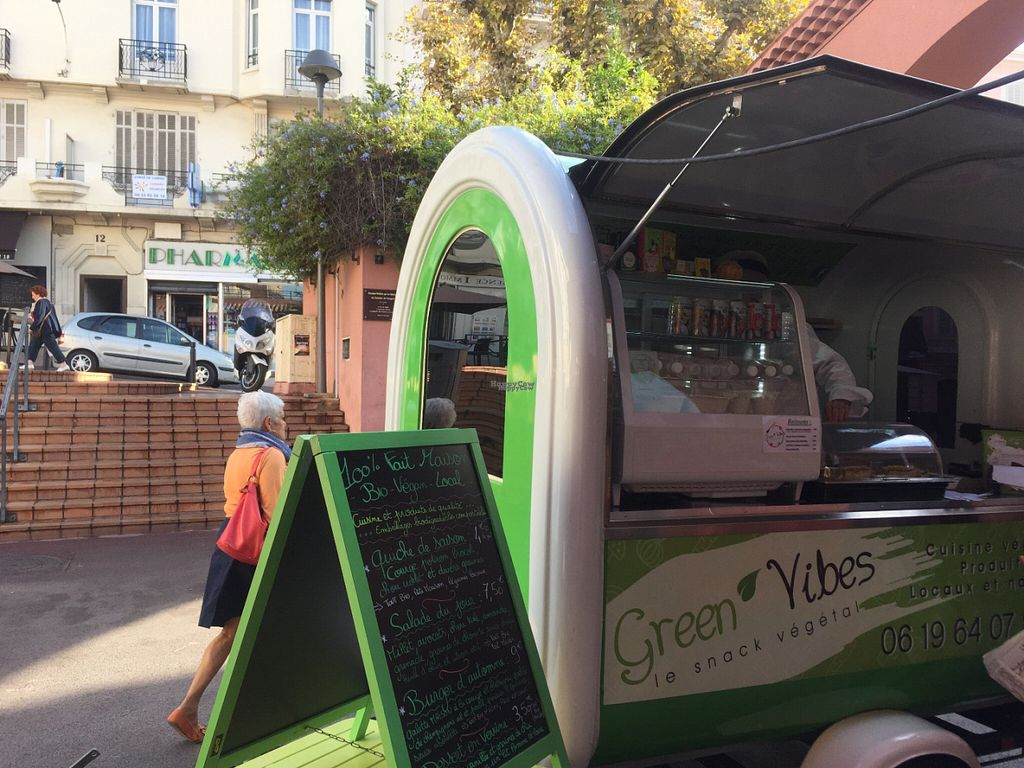 "Photo of CLOSED: Green Vibes - Food Trailer  by <a href=""/members/profile/Kasia87"">Kasia87</a> <br/>The Truck <br/> November 2, 2016  - <a href='/contact/abuse/image/81842/186176'>Report</a>"