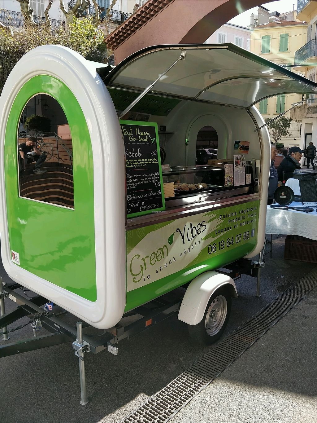 "Photo of CLOSED: Green Vibes - Food Trailer  by <a href=""/members/profile/Logge"">Logge</a> <br/>cute truck <br/> March 9, 2018  - <a href='/contact/abuse/image/81842/368464'>Report</a>"