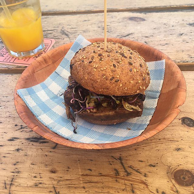 """Photo of Makamaka Beach Burger Cafe  by <a href=""""/members/profile/Tonivegan"""">Tonivegan</a> <br/>June 2017 <br/> June 13, 2017  - <a href='/contact/abuse/image/81865/268753'>Report</a>"""