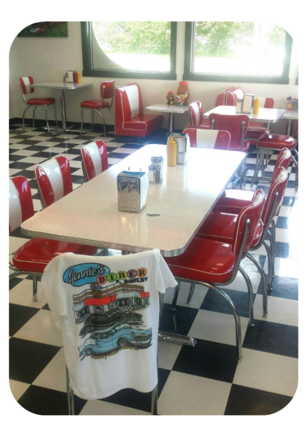 """Photo of Jennie's Diner and Bakery   by <a href=""""/members/profile/community"""">community</a> <br/>Inside Jennie's Diner and Bakery  <br/> November 2, 2016  - <a href='/contact/abuse/image/81925/186009'>Report</a>"""