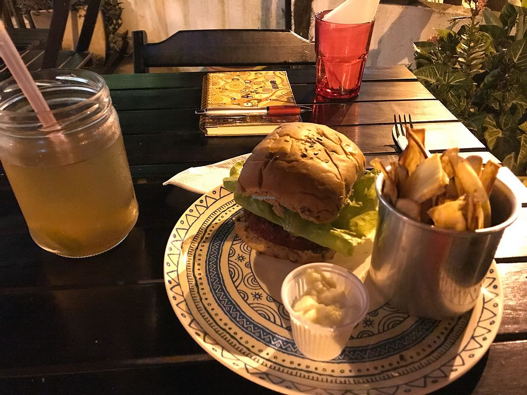"Photo of Jardin  by <a href=""/members/profile/CristinaMendon%C3%A7a"">CristinaMendonça</a> <br/>Beet burger; sweet potato;  vegan mayonnaise; organic ice tea  <br/> December 14, 2017  - <a href='/contact/abuse/image/81933/335651'>Report</a>"