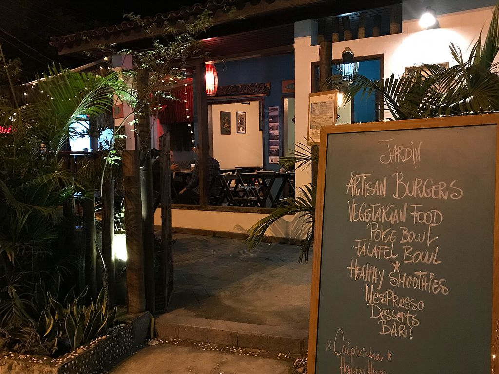"Photo of Jardin  by <a href=""/members/profile/CristinaMendon%C3%A7a"">CristinaMendonça</a> <br/>View of the menu and restaurant  <br/> December 14, 2017  - <a href='/contact/abuse/image/81933/335652'>Report</a>"