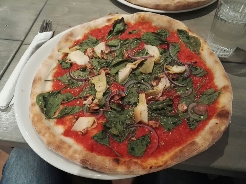 """Photo of Vesuvio Cafe  by <a href=""""/members/profile/tmokleby"""">tmokleby</a> <br/>Vegan pizza #1 <br/> October 29, 2016  - <a href='/contact/abuse/image/82092/185080'>Report</a>"""