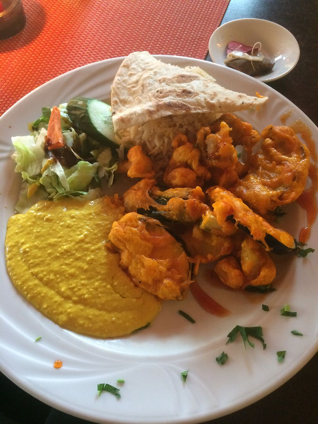 """Photo of Cafe Lom  by <a href=""""/members/profile/Adlerbaby"""">Adlerbaby</a> <br/>vegan Pakora with Humus, Rice and Bread  <br/> September 27, 2017  - <a href='/contact/abuse/image/82094/309090'>Report</a>"""