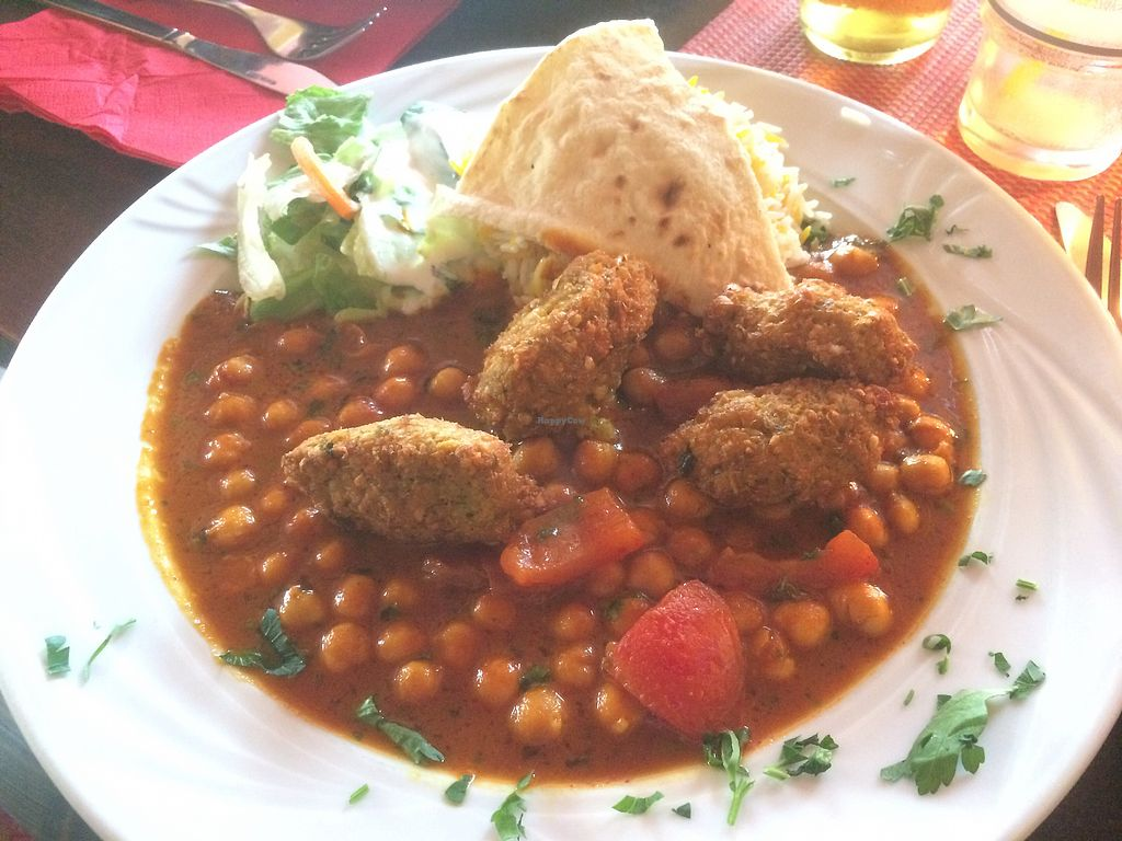 """Photo of Cafe Lom  by <a href=""""/members/profile/Adlerbaby"""">Adlerbaby</a> <br/>Vegan Falafel Plate  <br/> September 27, 2017  - <a href='/contact/abuse/image/82094/309091'>Report</a>"""