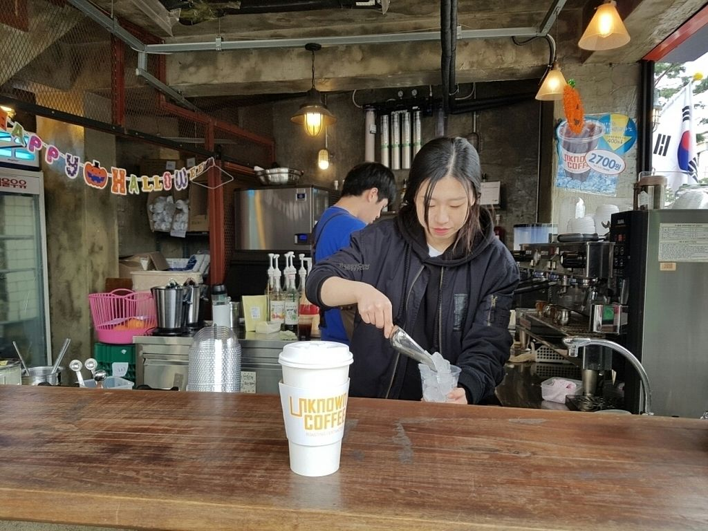 """Photo of Unknown Coffee - 언노운커피  by <a href=""""/members/profile/mfrenette"""">mfrenette</a> <br/>Almond latte! <br/> October 30, 2016  - <a href='/contact/abuse/image/82116/185339'>Report</a>"""