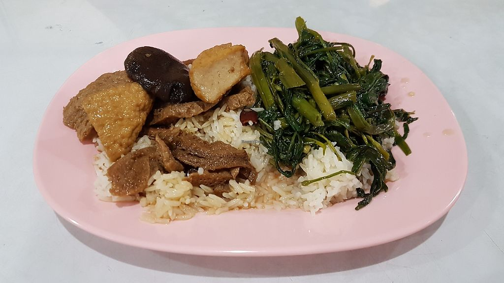 """Photo of 1 Kit Pung Vegatarian  by <a href=""""/members/profile/LenaM"""">LenaM</a> <br/>Brown rice, plus two dishes for 30baht <br/> February 4, 2018  - <a href='/contact/abuse/image/82216/354840'>Report</a>"""