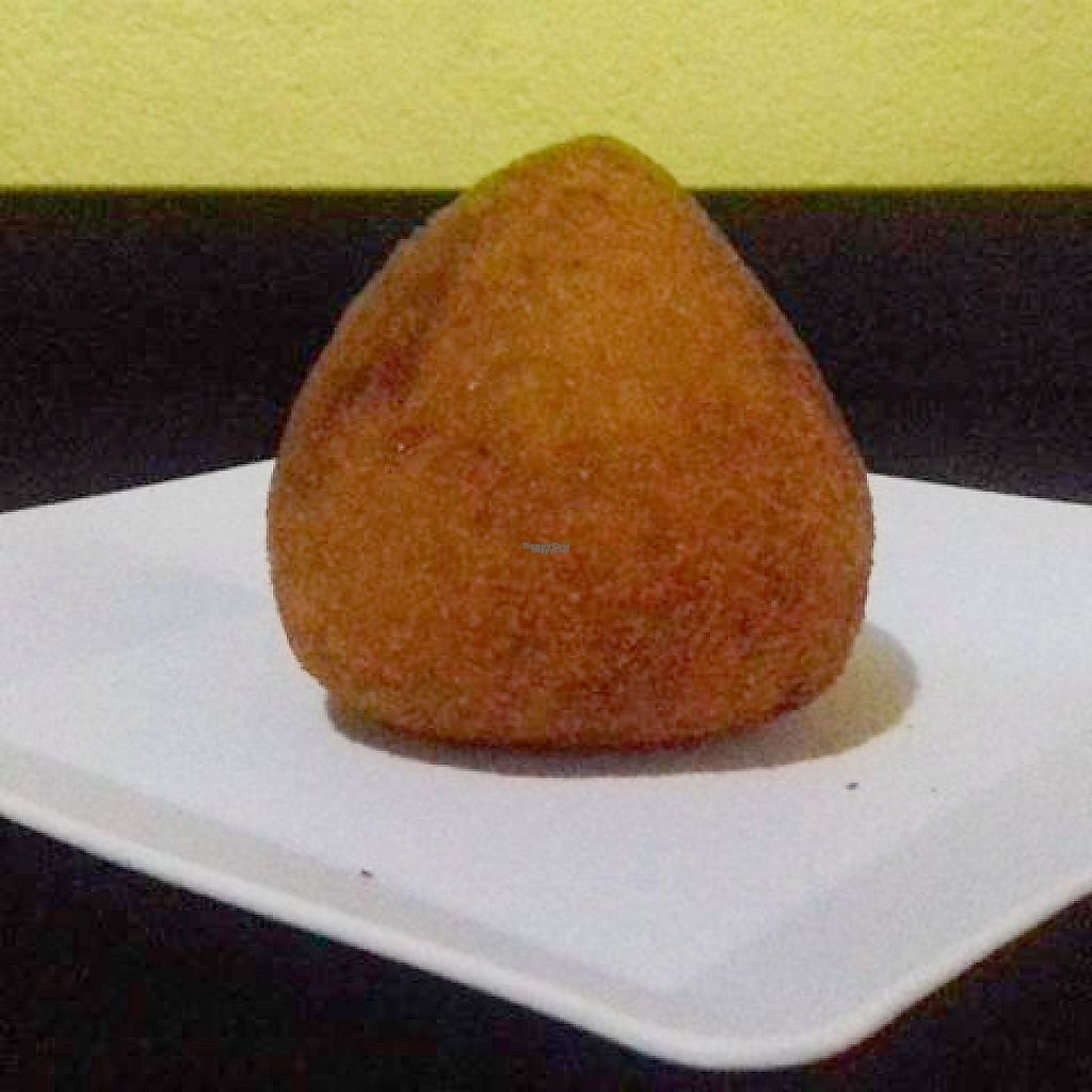 "Photo of CLOSED: Hot Dog do Samuray  by <a href=""/members/profile/itsumiyo"">itsumiyo</a> <br/>Vegan coxinha from Hot Dog do Samuray <br/> March 14, 2017  - <a href='/contact/abuse/image/82230/236106'>Report</a>"