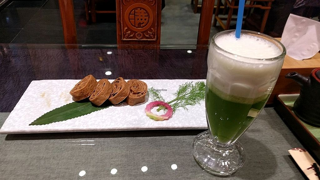 """Photo of Vegetarian Dumpling  by <a href=""""/members/profile/maltman23"""">maltman23</a> <br/>Vegetarian goose and fresh juice <br/> October 23, 2017  - <a href='/contact/abuse/image/82268/317912'>Report</a>"""