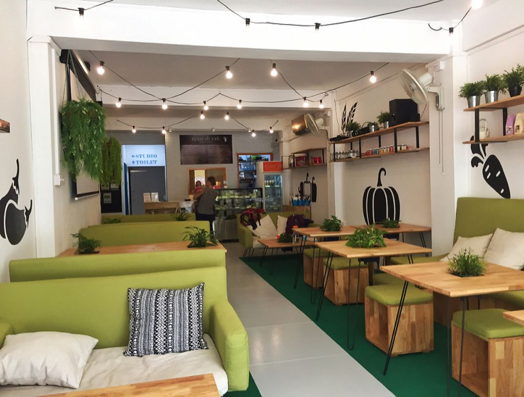 """Photo of Nourish Cafe  by <a href=""""/members/profile/HaileyPoLa"""">HaileyPoLa</a> <br/>The interior  <br/> March 5, 2017  - <a href='/contact/abuse/image/82280/232978'>Report</a>"""