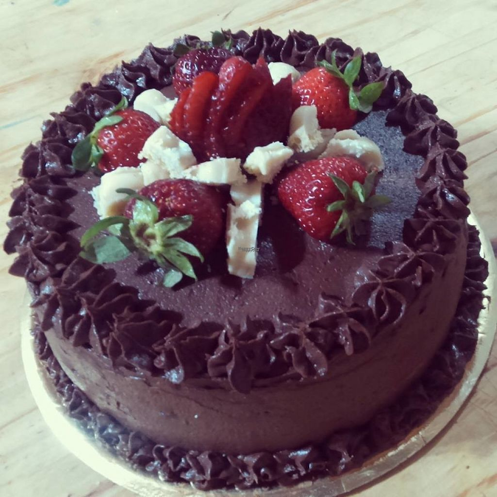 """Photo of Postres Veganos  by <a href=""""/members/profile/madjennsy"""">madjennsy</a> <br/>Vegan Cake by Postres Veganos <br/> November 5, 2016  - <a href='/contact/abuse/image/82299/186602'>Report</a>"""