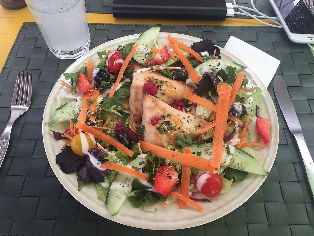 """Photo of Arvore do Mundo  by <a href=""""/members/profile/nitahannele"""">nitahannele</a> <br/>Samosas with a fruity salad  <br/> September 19, 2017  - <a href='/contact/abuse/image/82312/306231'>Report</a>"""