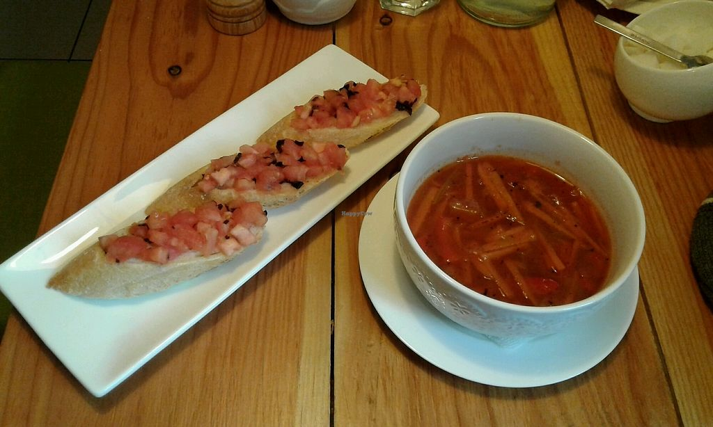 "Photo of Dreamers Place  by <a href=""/members/profile/sagar"">sagar</a> <br/>Bruschetta and Tomato Soup <br/> October 8, 2017  - <a href='/contact/abuse/image/82348/313179'>Report</a>"