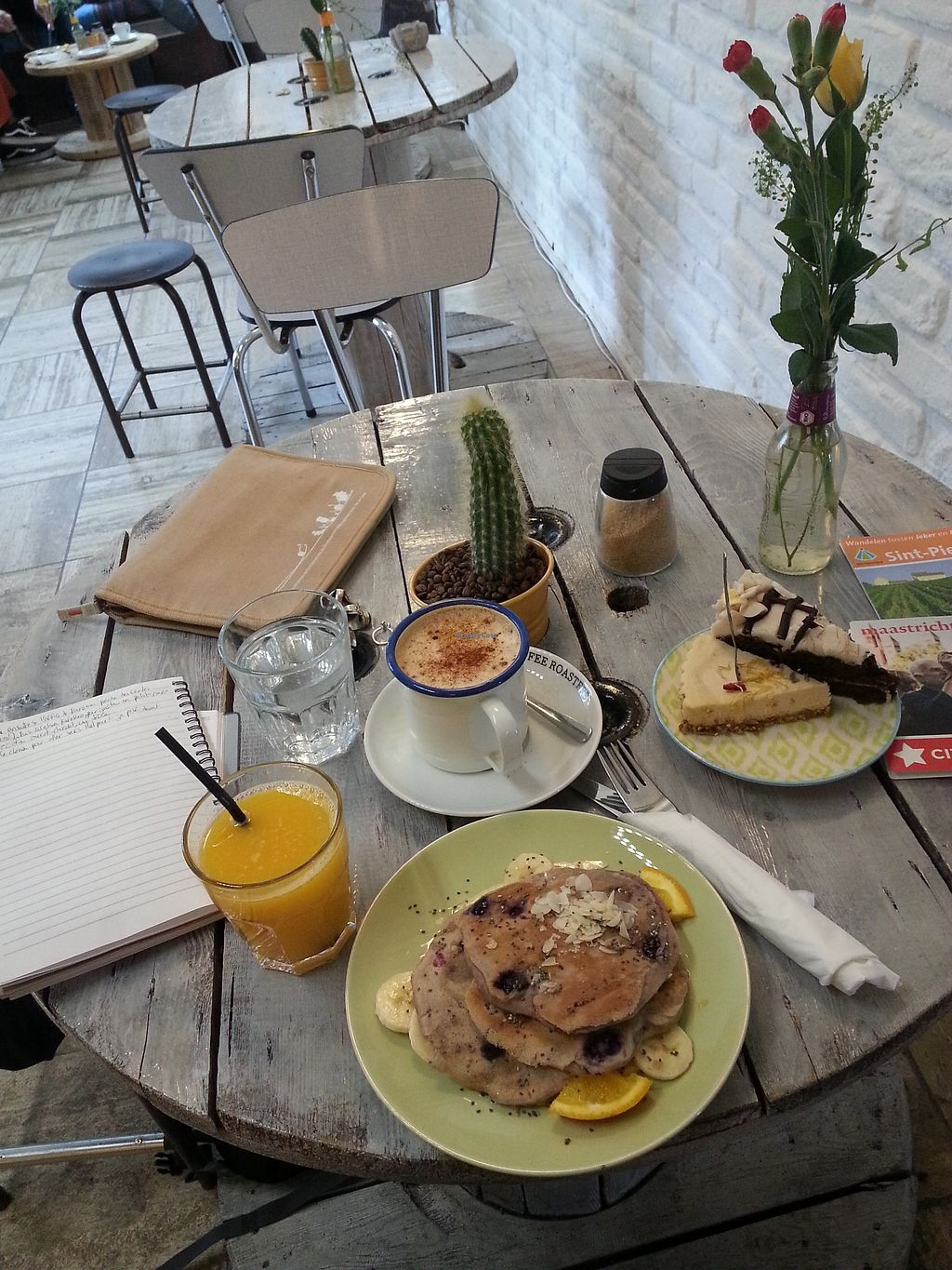 """Photo of KAFETHEA  by <a href=""""/members/profile/ManueEmmaLeTllc"""">ManueEmmaLeTllc</a> <br/>chaï latte with cashew """"milk"""", banana-blueberry pancakes  <br/> August 9, 2017  - <a href='/contact/abuse/image/82368/290854'>Report</a>"""