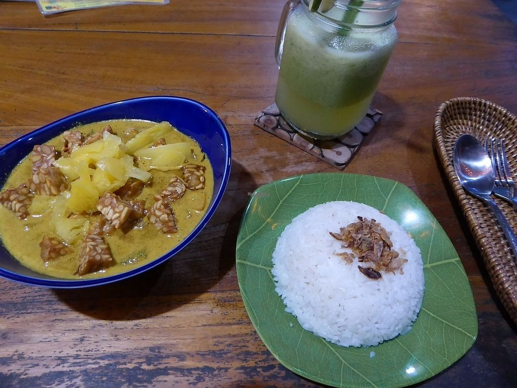 """Photo of Pisang-Pisang - maybe closed  by <a href=""""/members/profile/VeganNatascha"""">VeganNatascha</a> <br/>Veganes Curry mit Tempeh <br/> January 26, 2017  - <a href='/contact/abuse/image/82438/217462'>Report</a>"""