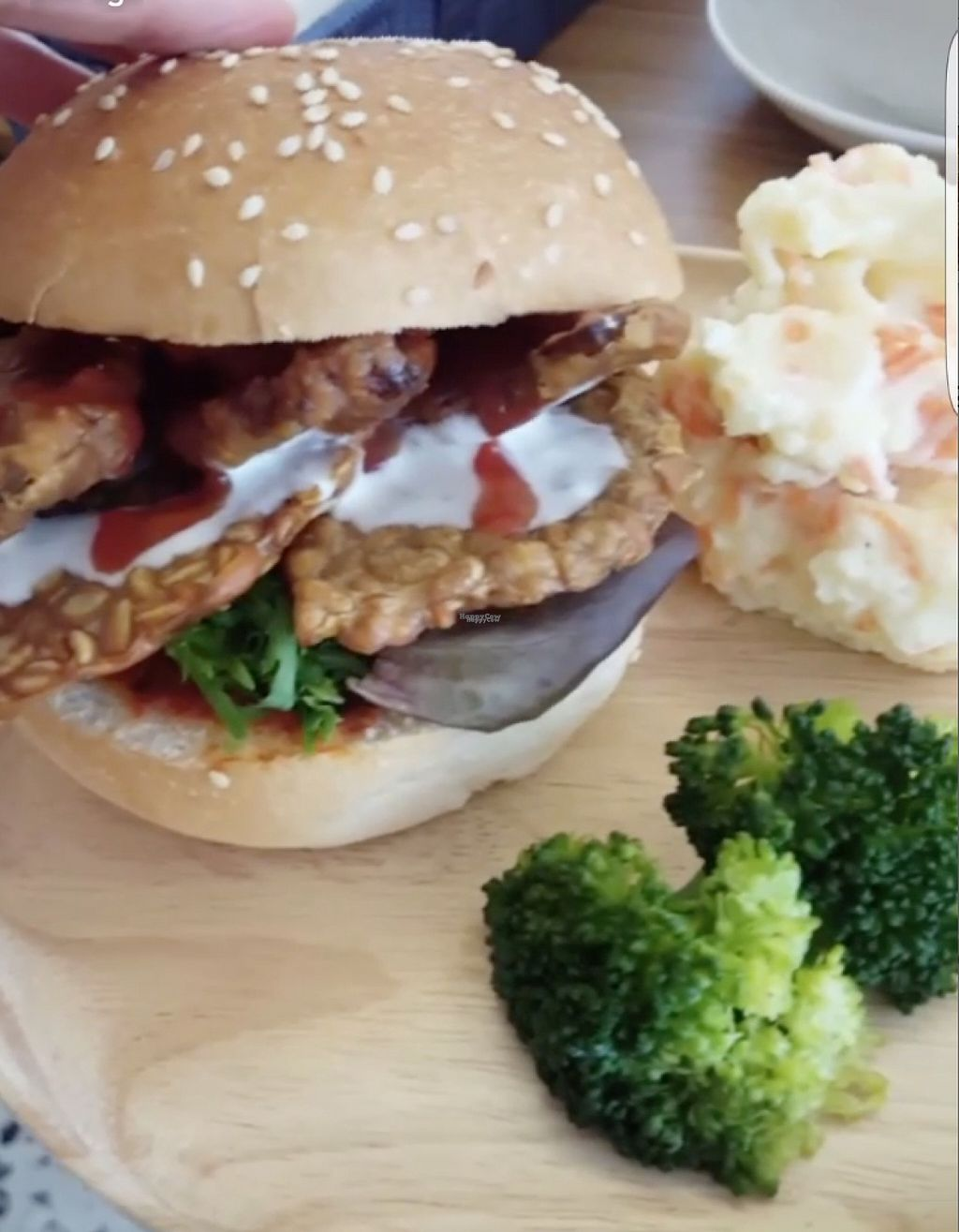 "Photo of Yi Ke Shu - Tanjung Bungah  by <a href=""/members/profile/ThatVeganCouple"">ThatVeganCouple</a> <br/>Tempeh burger (the mayo is vegan) with Japanese mash potato instead of fries <br/> December 4, 2016  - <a href='/contact/abuse/image/82482/197156'>Report</a>"