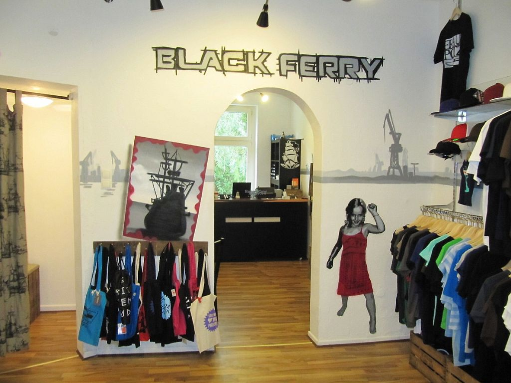 """Photo of Black Ferry  by <a href=""""/members/profile/Schnorcher"""">Schnorcher</a> <br/>Main room <br/> November 15, 2016  - <a href='/contact/abuse/image/82539/190677'>Report</a>"""