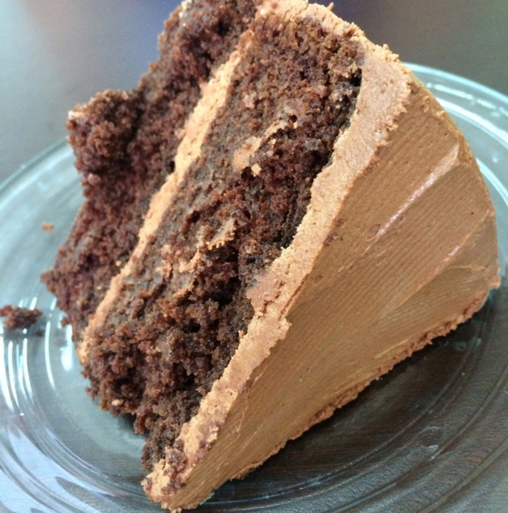 "Photo of Bliss Tienda Vegana  by <a href=""/members/profile/vivzan"">vivzan</a> <br/>vegan chocolate cake! <br/> June 5, 2017  - <a href='/contact/abuse/image/82558/266124'>Report</a>"
