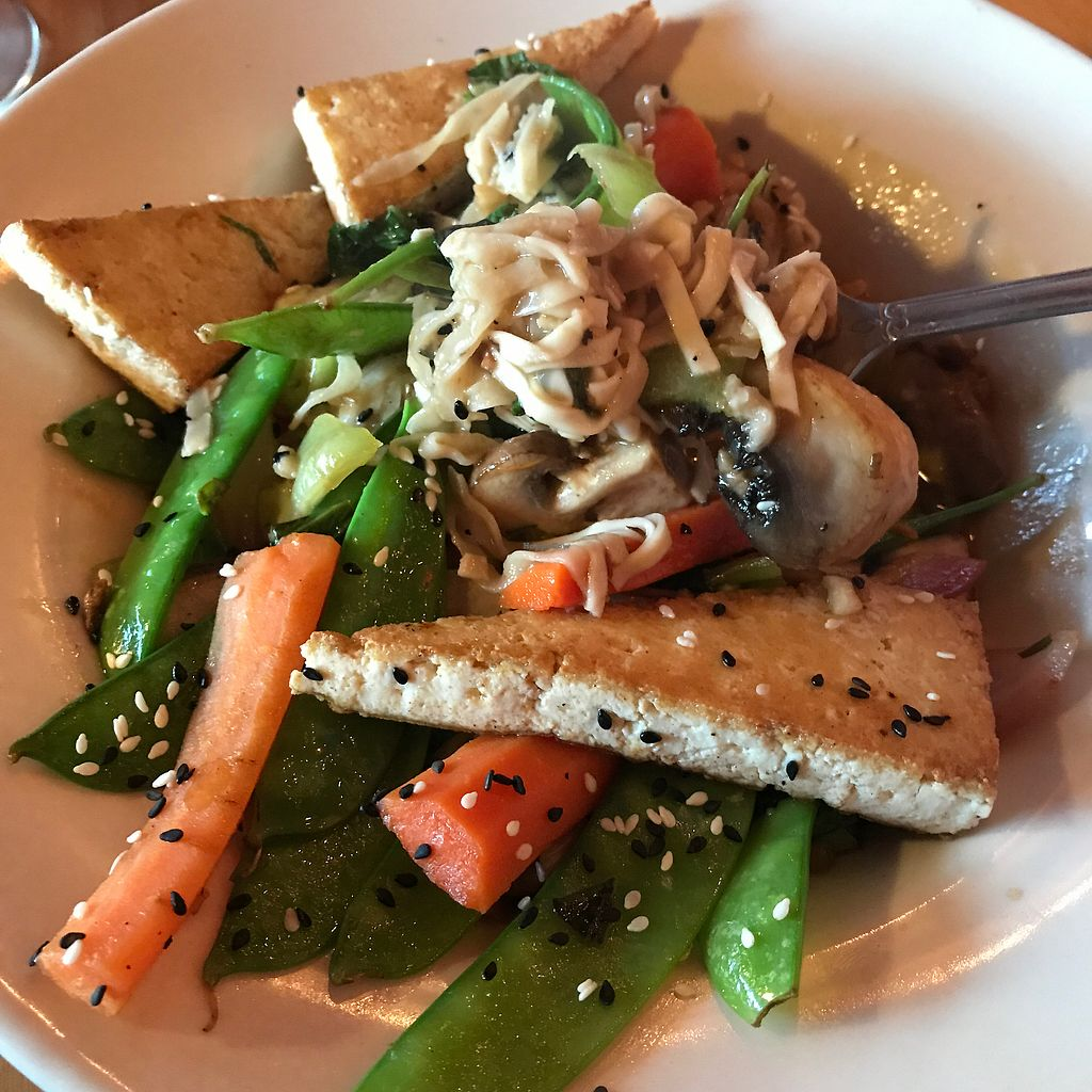 "Photo of Boat House Bistro  by <a href=""/members/profile/Sarah%20P"">Sarah P</a> <br/>udon noodles with added tofu <br/> June 27, 2017  - <a href='/contact/abuse/image/82559/274001'>Report</a>"