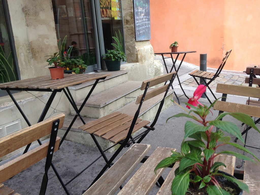 """Photo of Cafe Vert  by <a href=""""/members/profile/Teaffanys"""">Teaffanys</a> <br/>outside sitting <br/> May 24, 2017  - <a href='/contact/abuse/image/82634/262017'>Report</a>"""