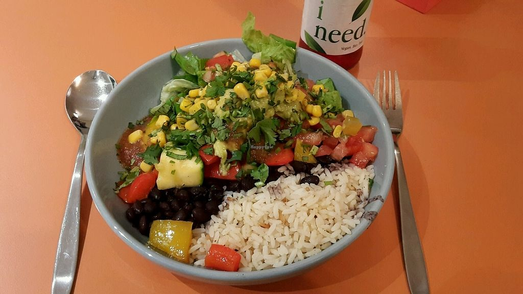 """Photo of Max & Benito  by <a href=""""/members/profile/Wilkou"""">Wilkou</a> <br/>Burrito Bowl with rice, Black beans, grilled vegetables, Guacamole, Salsa, lettuce and cilantro  <br/> April 16, 2018  - <a href='/contact/abuse/image/82642/386924'>Report</a>"""